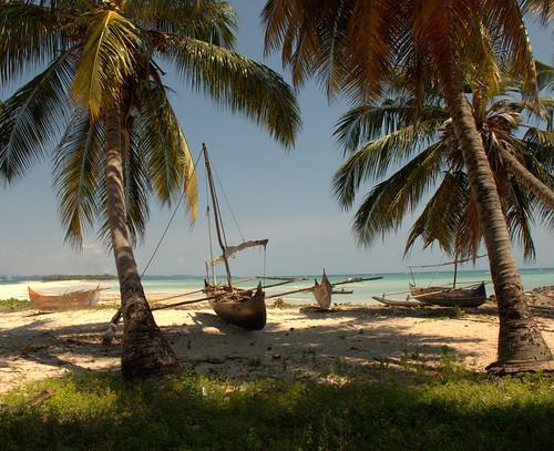 azzurro madagascar palme silenzio solitudine oceanoindiano armonia piroghe nosyiranja nikond80 canaledimozambico