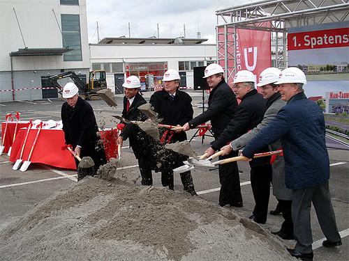 investor relations Spatenstich - Main-Taunus-Zentrum Sulzbach - Norderweiterung 26.11.2009