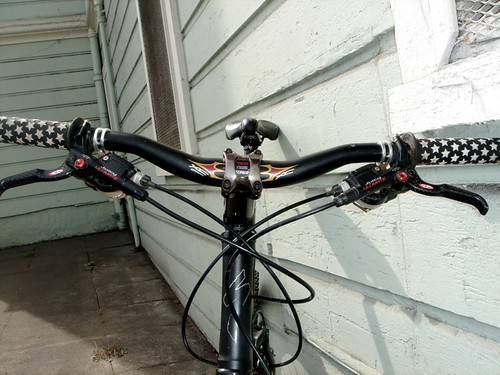 Specialized Handlebar & Stem + Avid Juicy Ulitmate Carbon Brake Levers + SRAM XO Shifters