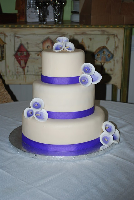wedding cake to feed 150 picasso wedding cake flickr photo 26286