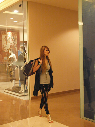 Grab Angeliq or angel lelga, shopping at pasific place