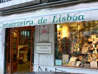 Conseveira de Lisboa selling sardines