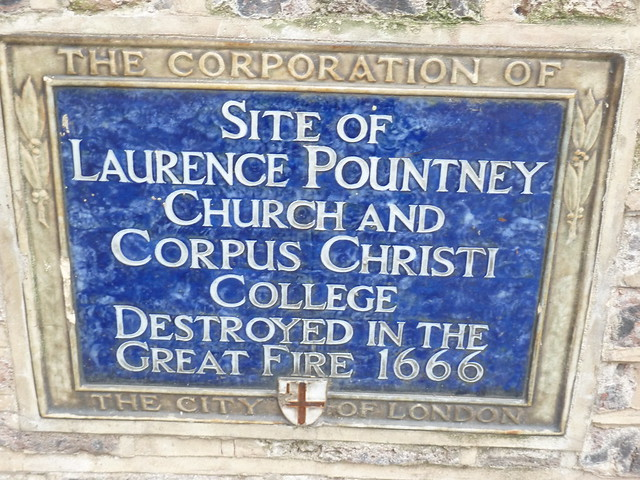 Blue plaque № 6132 - Site of Laurence Pountney Church and Corpus Christi College destroyed in the Great Fire 1666