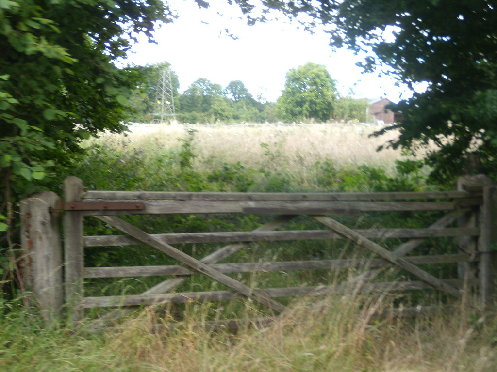gate and field East Grinstead Circular