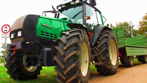 Valtra tractor 6750 EcoPower green