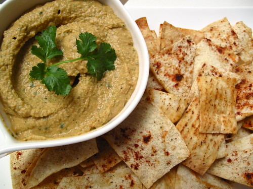 Spicy Hummus with Pita Chips