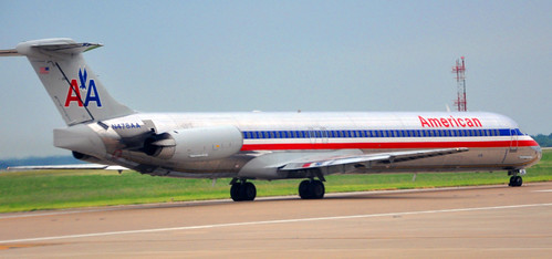 An American Airlines MD80