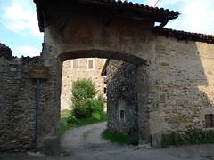Capiate - castello V, XI sec.