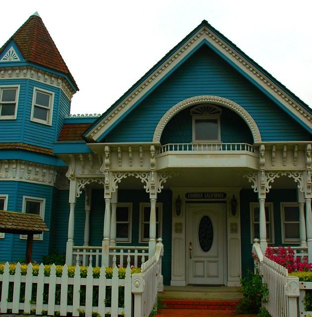 Blue and white classic victorian house cambria californi for Victorian house trim