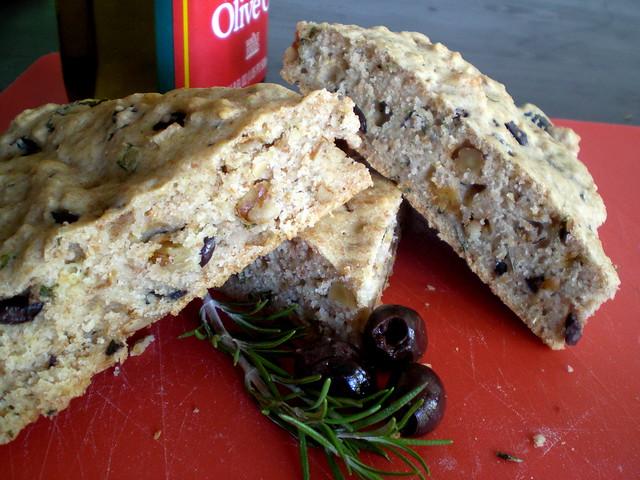 Food Pr0n: Mediterranean Olive Bread   Find the recipe here   By ...