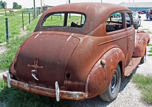 1940 Chevrolet Special Deluxe 2-Door Town Sedan (8 of 8)