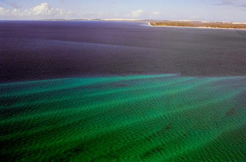 africa blue sea verde green azul mar indianocean aerialview explore avião soe mozambique moçambique smallplane 100faves 50faves 35faves 25faves mywinners abigfave fotografiaaérea platinumphoto flickrdiamond barazuto oceanoíndico
