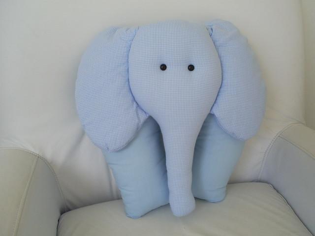 Almofada de elefante azul
