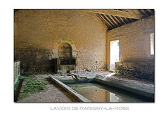 Lavoir in Parigny-la-Rose (F)