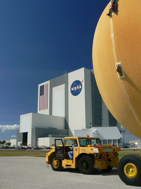 ET-134 Arrives at Kennedy Space Center (NASA, Space Shuttle, 10/24/09)