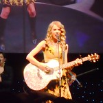 Taylor Swift: Taylor Swift performs in 3D