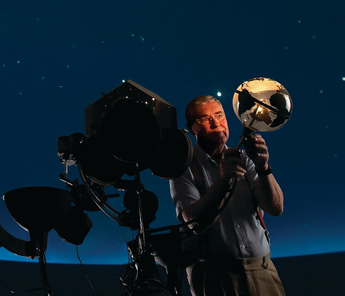 Don demonstrates the previous Planetarium projector