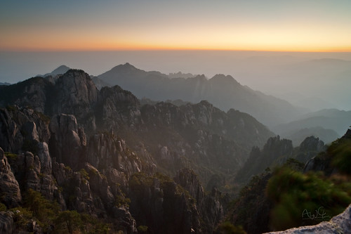 china travel mountain sunrise dawn nikon hiking unesco worldheritagesite fx 黄山 huangshan carlzeiss 日出 黃山 安徽省 carlzeisslens 光明頂 nikond3 distagon2128zf carlzeissdistagont2821 carlzeissdistagont2821zf
