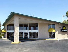 Days Inn Tampa Fairgrounds Main Entrance