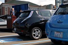 automobile, automotive exterior, sport utility vehicle, vehicle, nissan leaf, automotive design, compact sport utility vehicle, city car, compact car, nissan, land vehicle, hatchback,