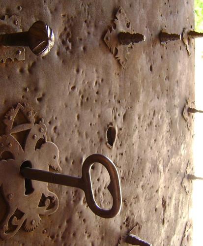 Puerta de la iglesia (Palomar de Arroyos)