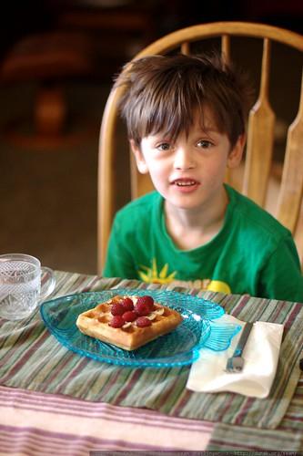 nick having raspberries on vegan sourdough waffles for breakfast    MG 1781