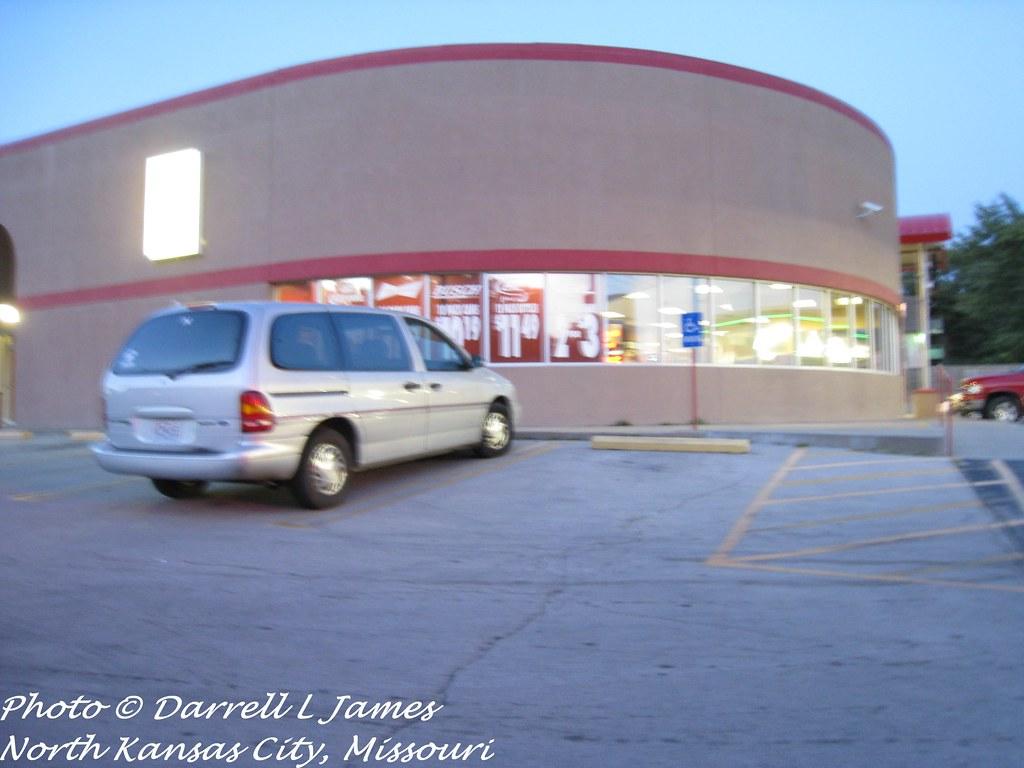 IGA Store, 43rd &  N. Oak, 6 wm