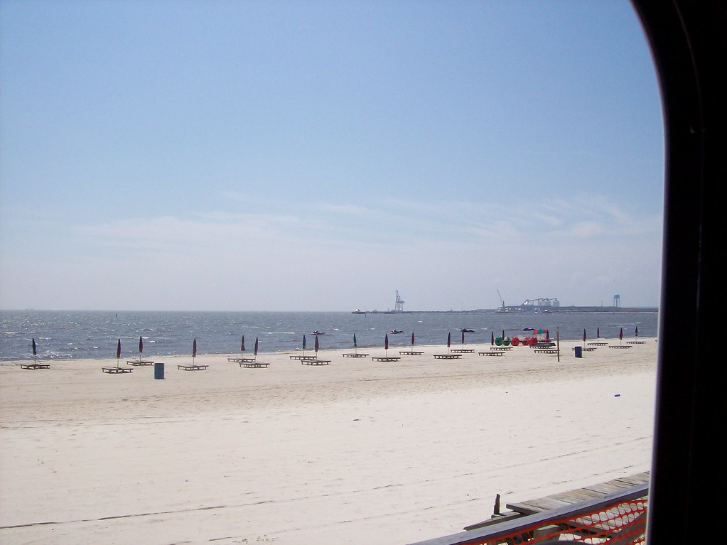 Trucking - Biloxi, MS - Beach