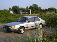 automobile, automotive exterior, vehicle, performance car, saab automobile, compact car, land vehicle, saab 900, hatchback, sports car,