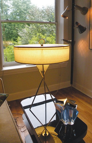 Thurston Lightolier Tripod lamp