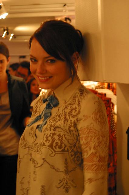 Emma Stone 09.09.09-Anna Sui Target (4)