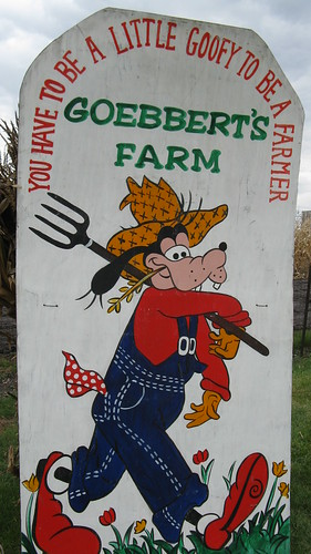 Goebert's Farmstand. Barrington Illinois. October 2009. by Eddie from Chicago