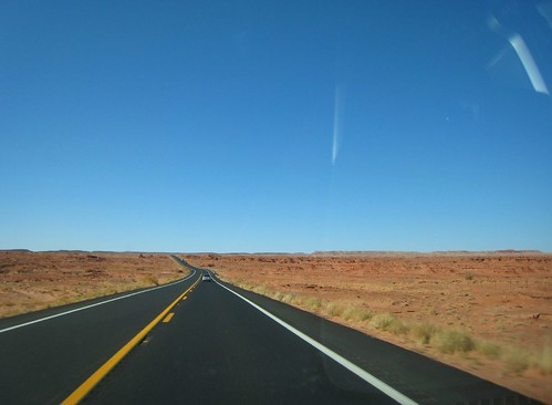 REZ, vanishing point, highway, yellow line,… IMG_1387