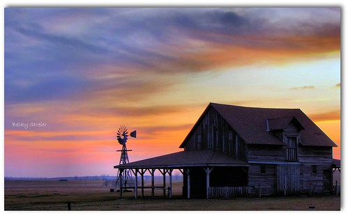 sunset sky laura windmill clouds southdakota colorful desmet homestead wilder ingalls colorphotoaward