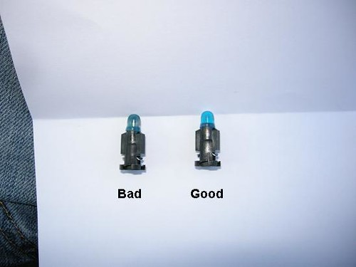 Guide  Dash Bulb Replacement 01-04 S40  V40