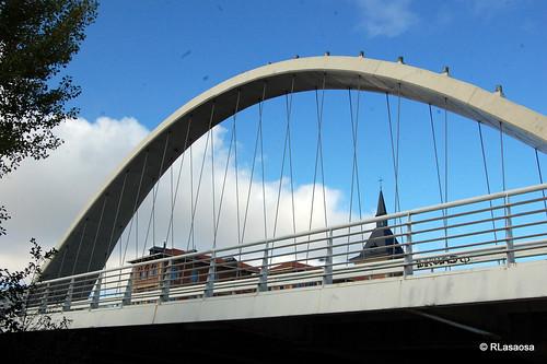 Pamplona - Puente de Las Oblatas by Rufino Lasaosa