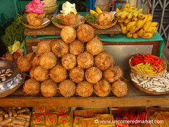 Coconut Stand, Indian Color
