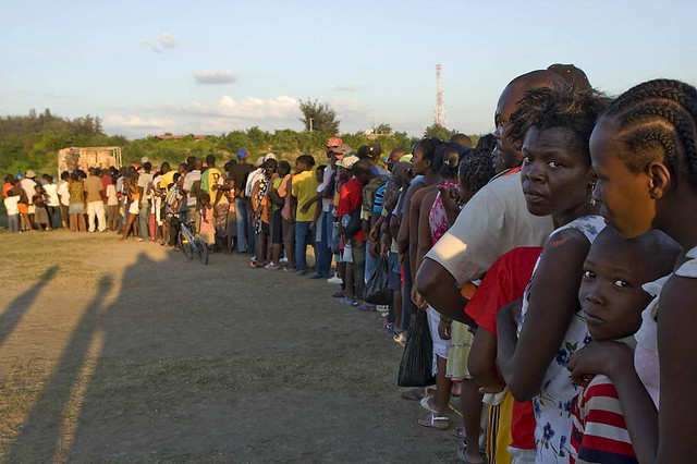 Haitians Line Up for UN-Distributed Food