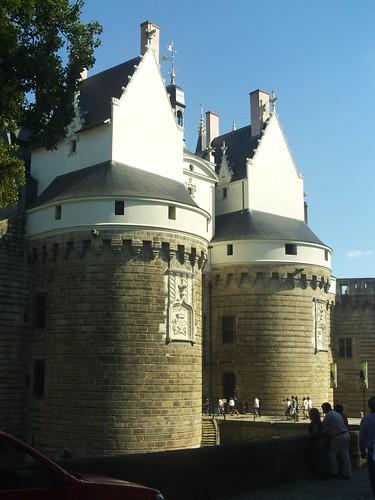 2008.08.05.234 - NANTES - Château des ducs de Bretagne - Entrée du pont dormant - Tour du Pied-de-Biche / Tour de la Boulangerie