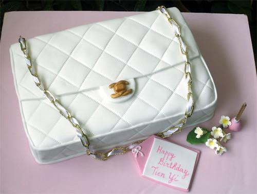 f2915fe6275a ... White Chanel Bag Cake