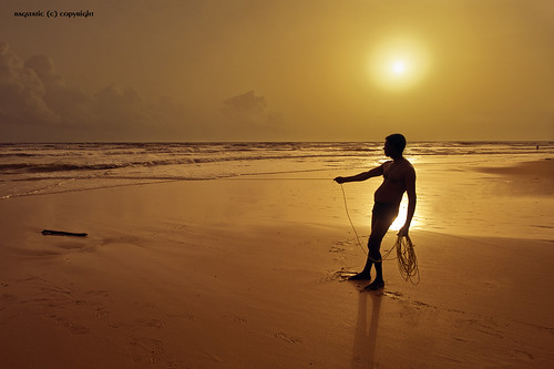 sunset india beach water fishing fisherman nikon rags explore frontpage udupi kundapur kundapura d700 bratanesque ropefishing