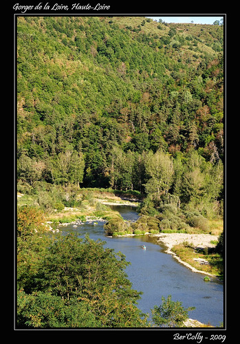 france reflection river riviere loire reflets auvergne hauteloire francelandscapes gorgesloire