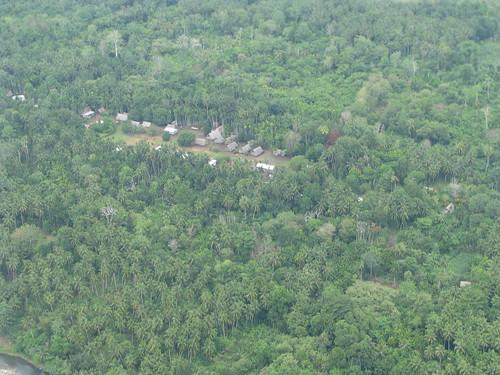 houses village haus aerial png papuanewguinea province madang niugini kahunapulej kahunapule