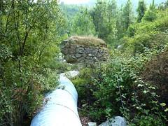 Sente RG du ruisseau de Sainte-Lucie : pont et piste detruits peu après le départ