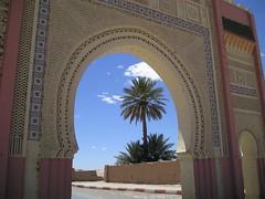 Porta de cidade no deserto do Saara
