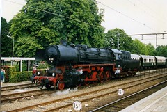 Stoomtren, Apeldoorn, Netherlands.  Veluwsche Stoomtrein Maatschappij  - VSM Kriegslok 52 532. 1996
