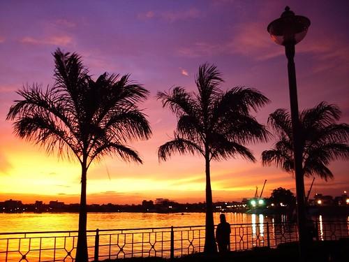 cameraphone sunset sky india lake colors reflections twilight silhouettes hyderabad coulds aplusphoto imobile902 saroornagarlake saroornagar