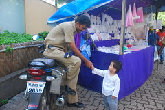 Marziya and Mumbai Police by firoze shakir photographerno1
