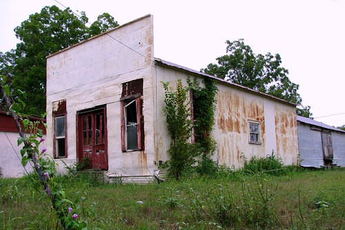 abandoned texas storefront shiner lavacacounty mlhradio