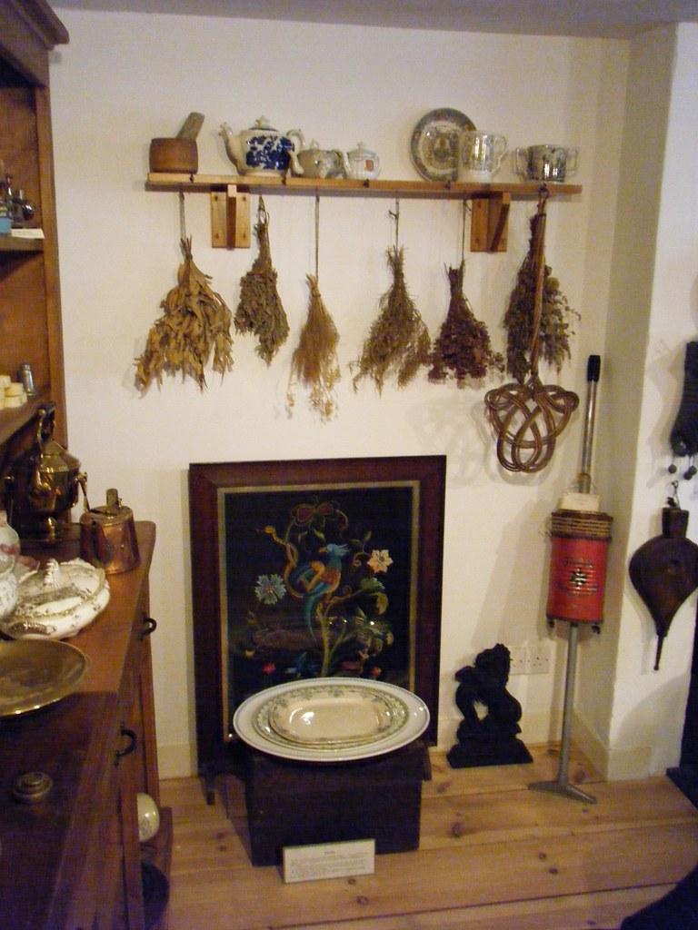 ME13 Kent Faversham Fleur de Lis Victorian/Edwardian/Contemporary Rooms